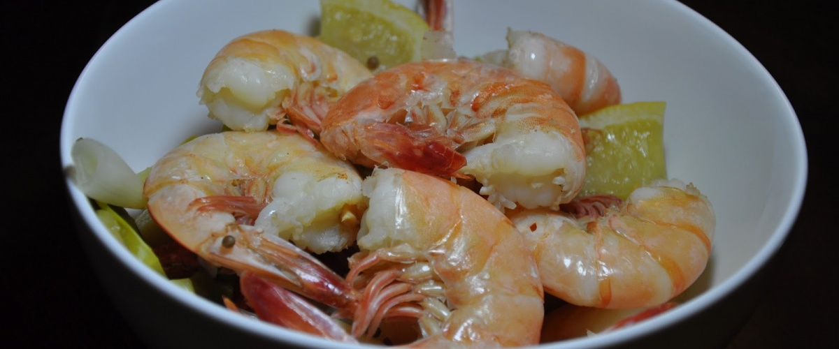 Asian Shrimp Boil with Dipping Sauce