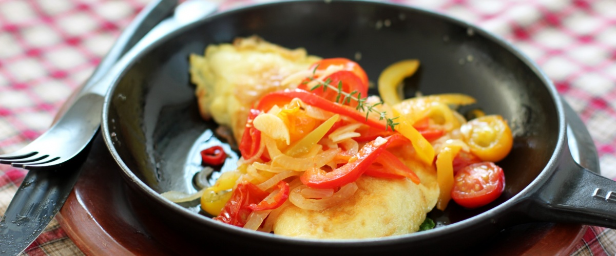 Spinach and Cheese Omelette with Spicy Piperade